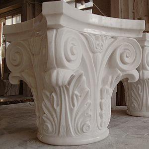 capitello lavorato in marmo bianco di carrara