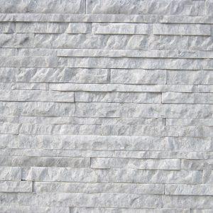 rivestimento pietra spaccatello bianco carrara