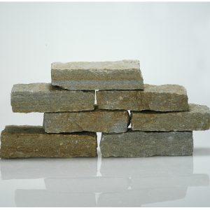 blocchetti tranciati pietra luserna rivestimento