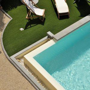 bordo piscina in pietra carniglia