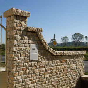 wall cladding in bari stone blocks