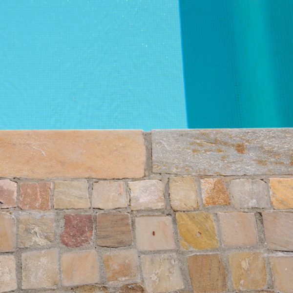 piscina quarzite brasiliana gialla